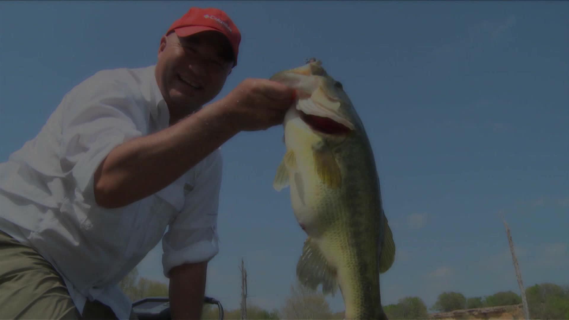Lake of Woods Crappies - Bob Izumi's Real Fishing